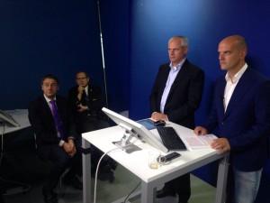 concentratie bij de sprekers rechts Eddy links han van Ekert Bonarius